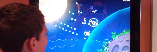 Playing Angry Birds Space on Windows 8 on the TouchSmart